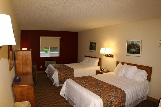 GuestHouse Inn & Suites Osage Beach: GuestHouse Osage Beach Double
