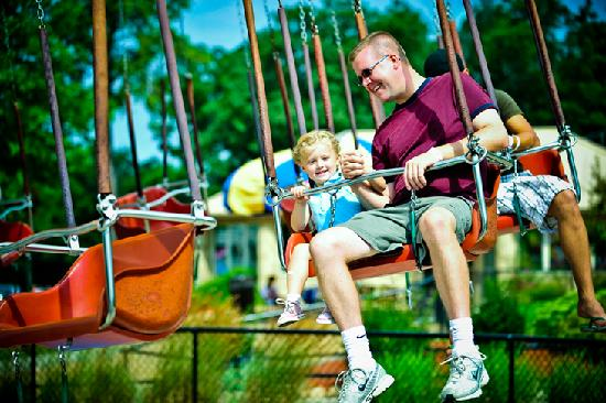 Mt. Olympus Resort: Zeus' Outdoor Theme Park - Chair Swing