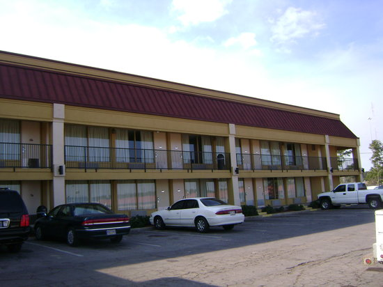 Lincoln Inn & Suites