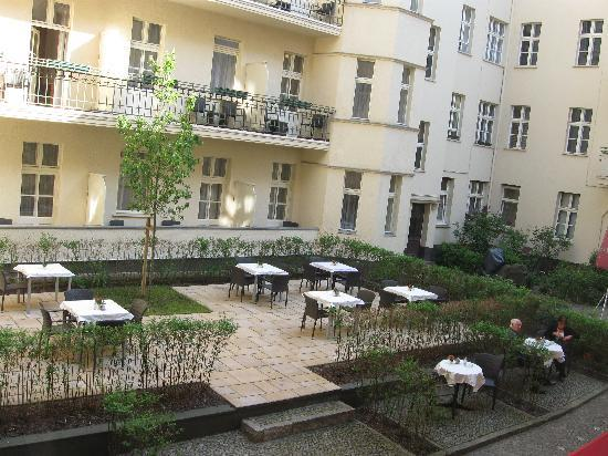 Hotel Apartmenthaus Zarenhof: Courtyard