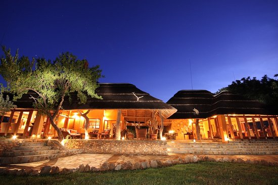 Rhulani Safari Lodge: Lodge exterior