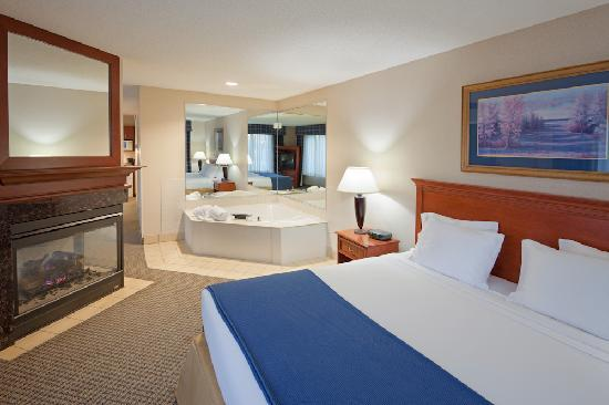 Hotels Downtown Detroit With Jacuzzi In Room
