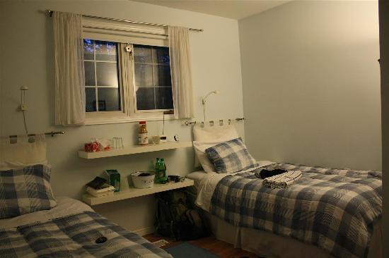Taylor-Made B&B: our room, it looks better without our stuff~