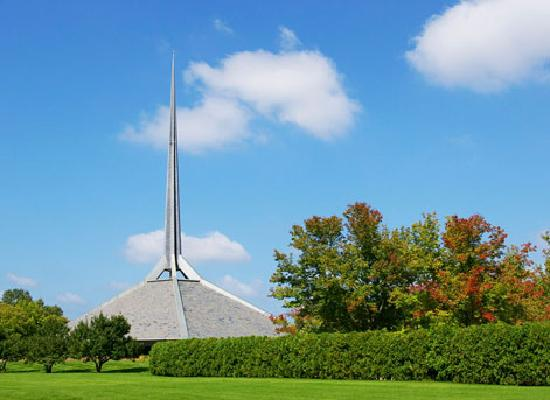 Columbus, IN: North Christian Church by Eero Saarinen (photo by Rhonda Bolner)