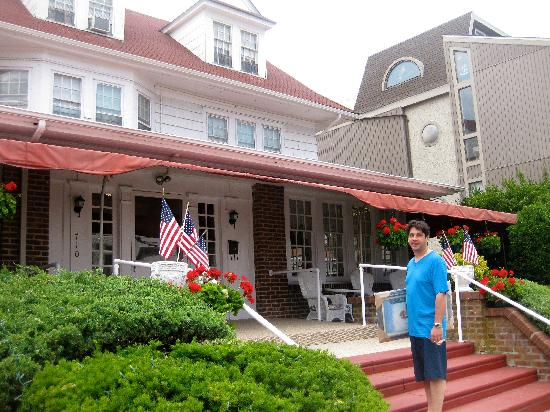 Plymouth Inn: Just arriving