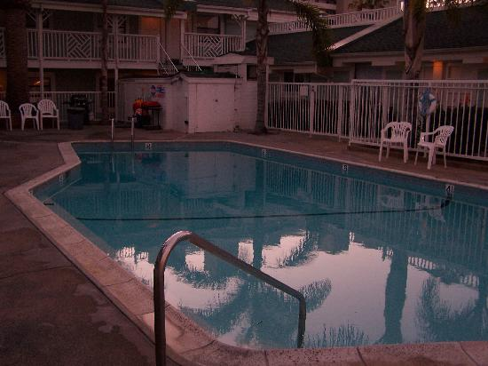 Beach Haven Inn: pool was nice