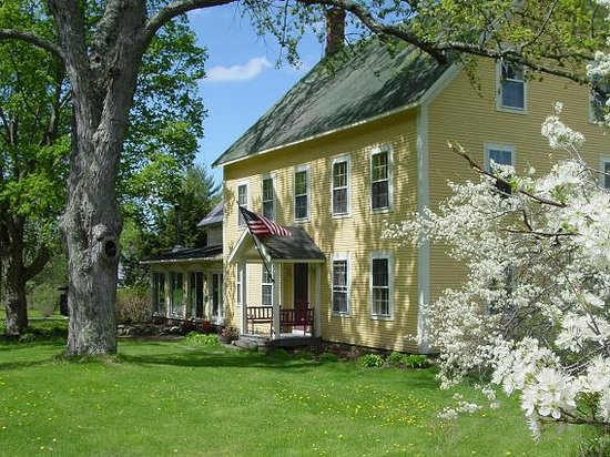Churchill House Inn: Vermont Green Hotel