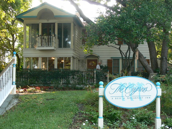 The Cypress - A Bed & Breakfast Inn: cozy and comfy Inn