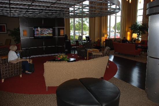 Cambria Suites Oklahoma City: Lobby