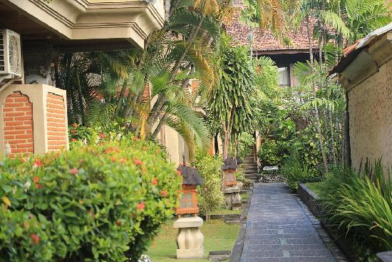 Adi Dharma Cottages: Cottages
