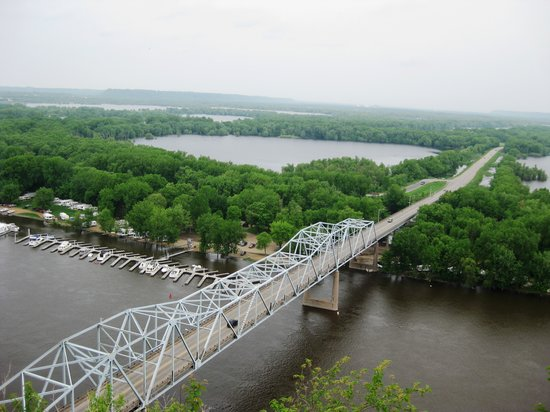 Red Wing, MN: View of the river from the top (zoomed in 3X).