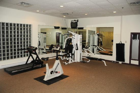Sea to Sky Hotel and Conference Centre: Exercise Room