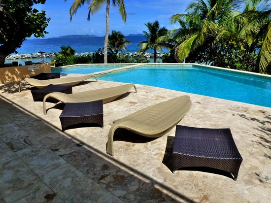 West End, Tortola: Hidden treasure - no one in sight. The pool is yours!