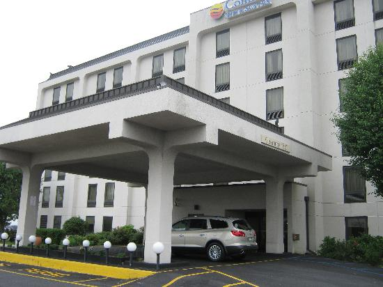 Comfort Inn & Suites West Atlantic City: Front of Hotel
