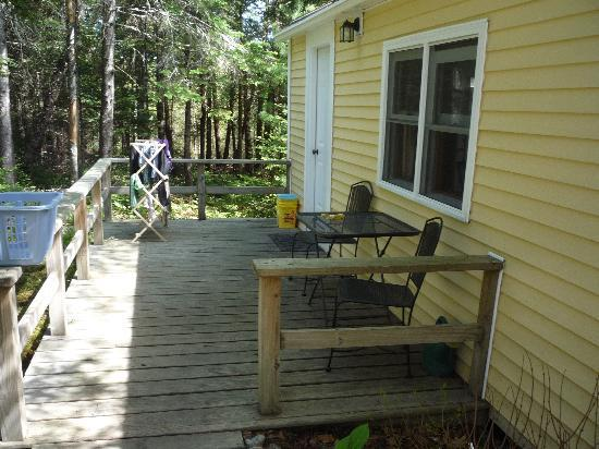 Acadia Cottages: porch