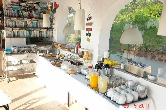 Villa Apollon Skiathos: Breakfast at the Apollon