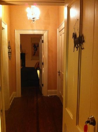 Lane Street Inn Shelbyville TN: hall from Sierra to serenity rooms