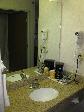 Comfort Inn Vail Valley: Room 211 - Wash Area