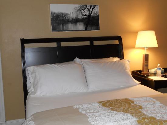Oxford, MS: Room at the 512