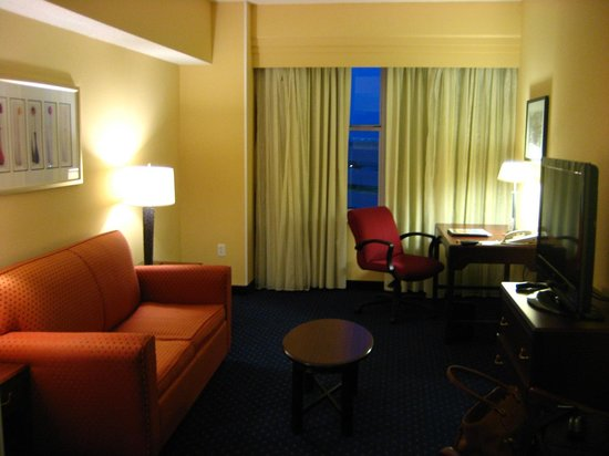 Courtyard by Marriott Fort Worth Downtown/Blackstone: living / sitting area