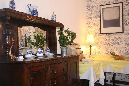 Rosslyn House: Breakfast area