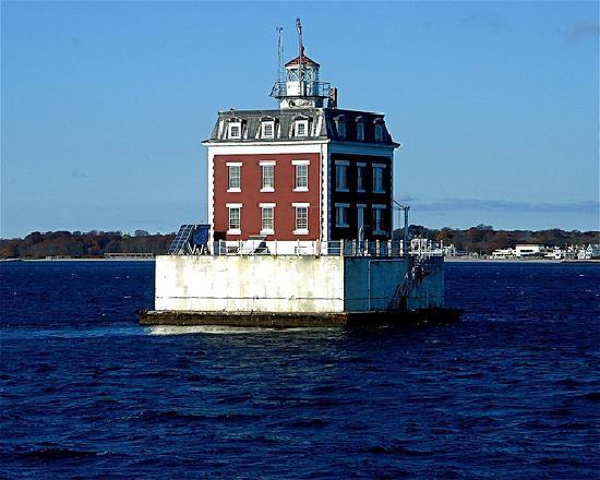 Groton, CT: New London Ledge lighthouse