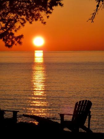 Larsmont Cottages on Lake Superior: Sunrise at Larsmont Cottages May 2011