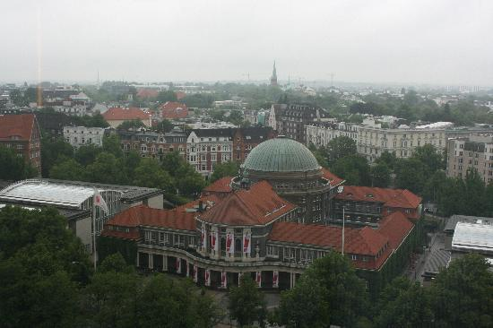 Hotel Preuss: University of Hamburg.  Domed building in the walking instructions as seen from the Radisson Blu