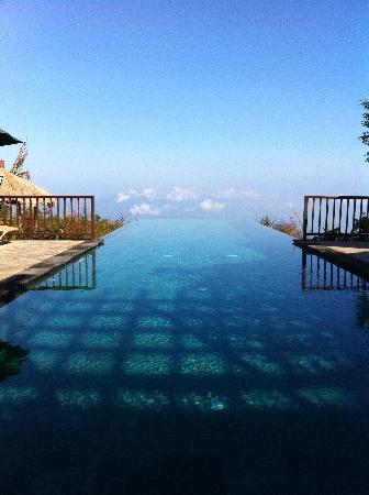 Gobleg, : Spectacular infinitypool