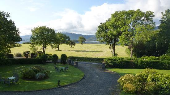 Loch Lein Country House: Lake view room