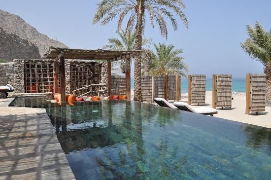 Zighy Bay, Oman: Beachfront pool villa suite - pool area