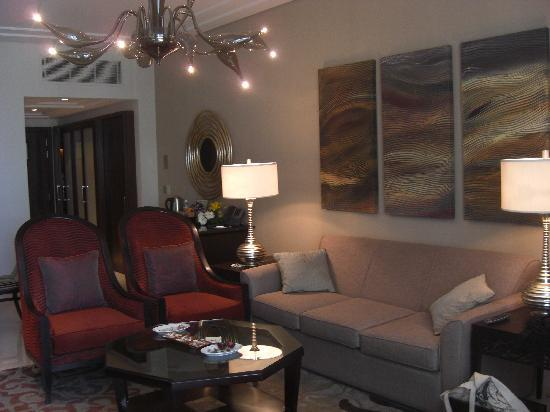Suite living room living room layout bedroom remodeling ideas family room remodeling