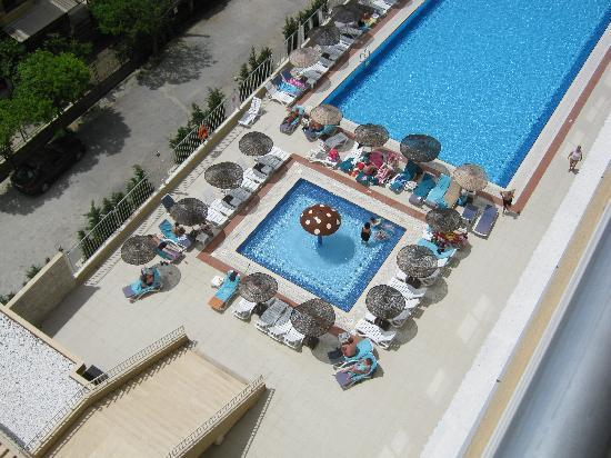 Ephesia Hotel: View of pool from our balcony