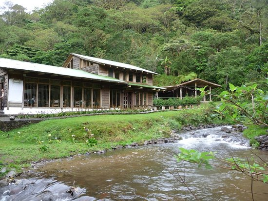 Bosque de Paz: Main lodge and dining room