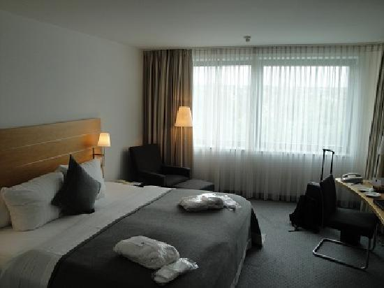 Dorint Pallas Wiesbaden: Room