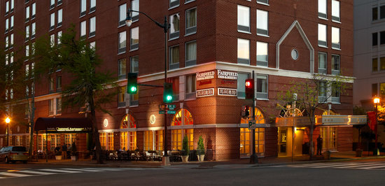 Fairfield Inn & Suites Washington, DC / Downtown: Hotel Exterior