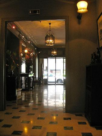 Aviatic Hotel Saint Germain: The foyer