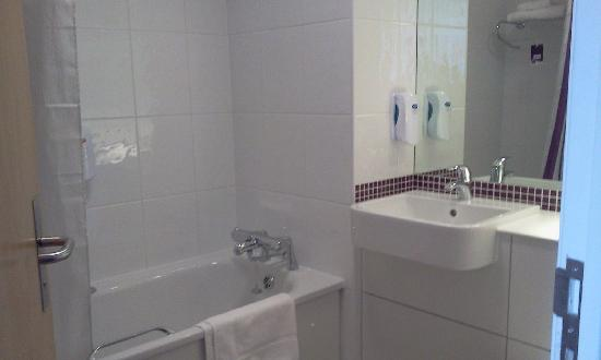 Premier Inn London Hanger Lane: il bagno