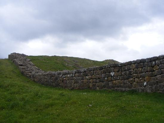 Gibbs Hill Farm: A bit of Hadrians Wall at Milecastle 39 :D