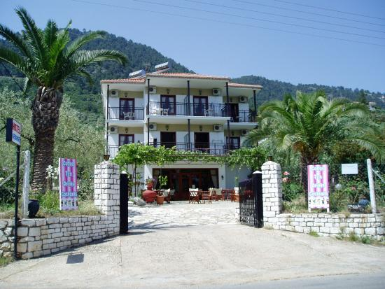 Photo of Hotel George Golden Beach