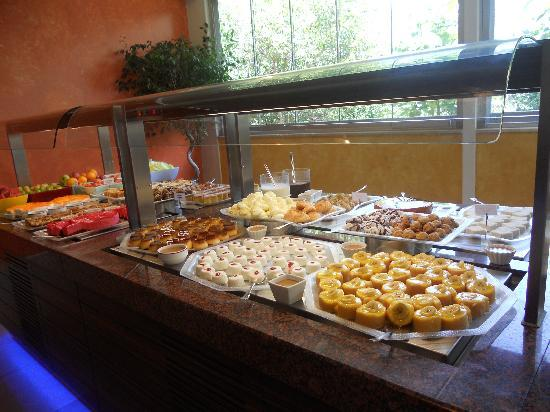 Club Belcekiz Beach Hotel: food