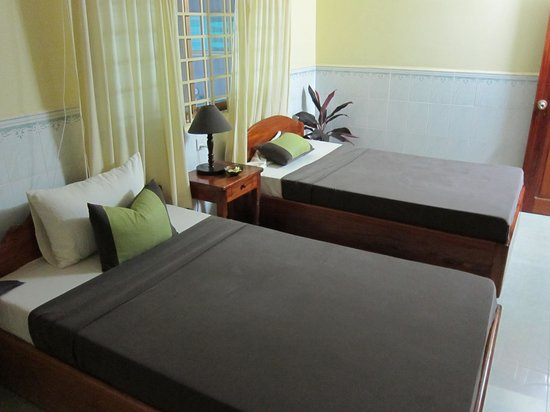 The Cashew Nut Guest House: Twin room