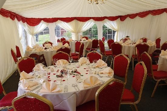 Fieldhead Hotel: Privately hired marquee ( decorated by hotel staff)
