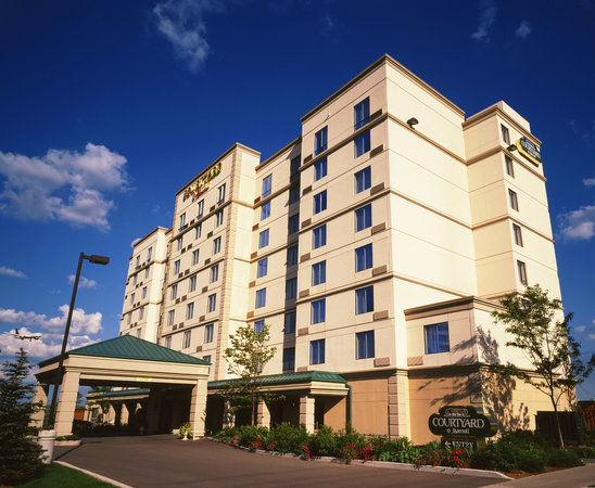 Photo of Courtyard By Marriott Toronto Airport