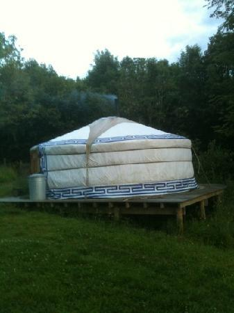 Strawberry Skys: yurt