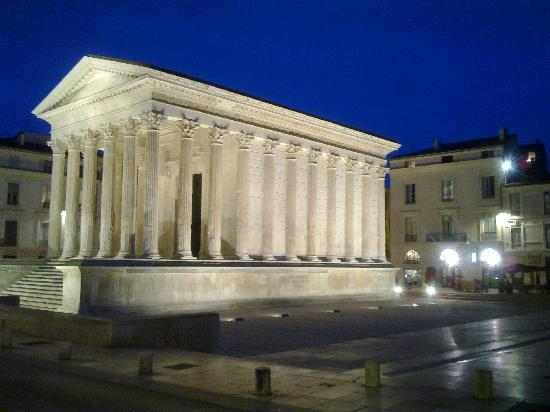 Nimes, : roman temple