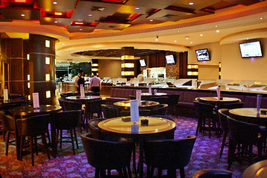 Hotel Ticuan: ALL NFL & NCAA AT THE BAR