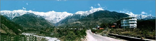 Silver Oaks Mountain Resort Palampur