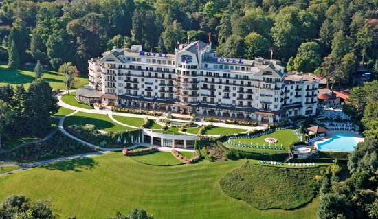 Hotel royal evian resort neuvecelle france spa for Hotels evian
