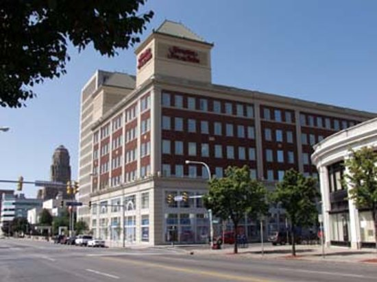 Hampton Inn & Suites Buffalo Downtown is located right in the heart of downtown Buffalo.